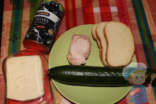 Ингредиенты для канапе с колбасой