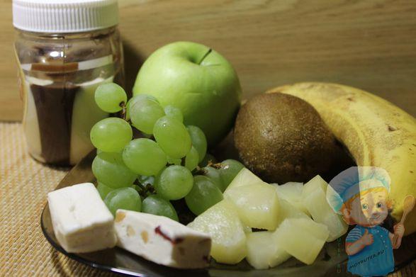 Ингредиенты для фруктовых канапе