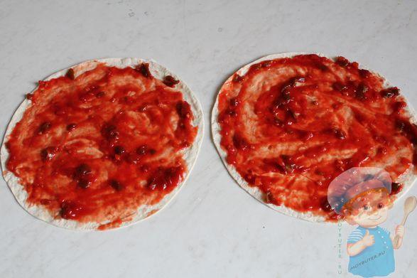 Тортилья с кетчупом