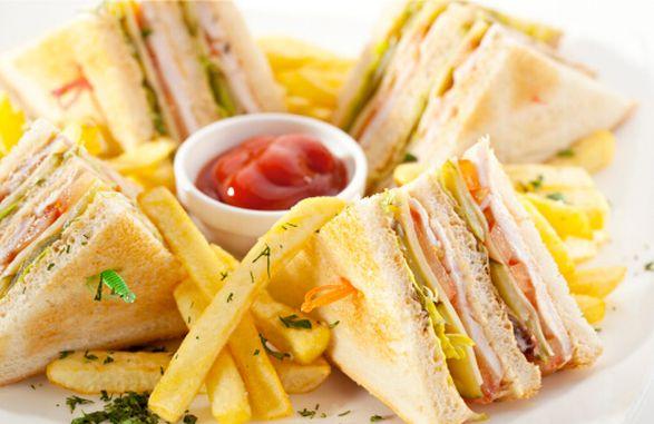 Картофель с сэндвичем