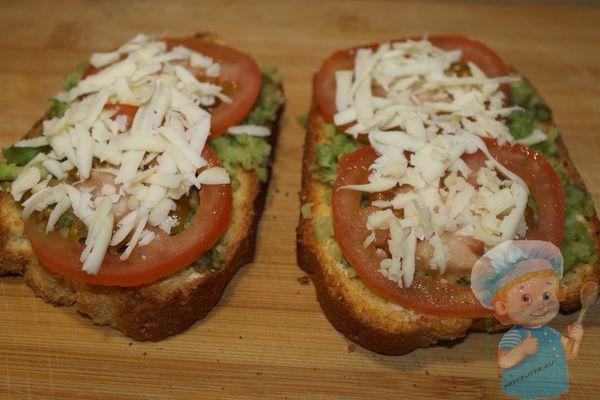 слой помидоров и сыра