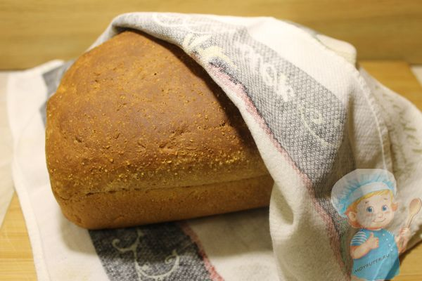 Хлеб под полотенцем
