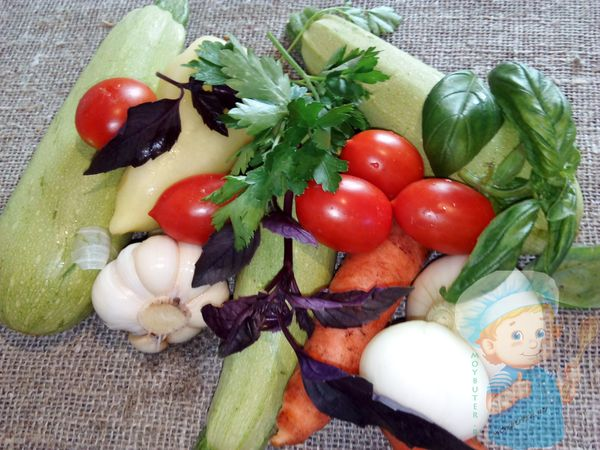 Ингредиенты для приготовления кабачков в духовке