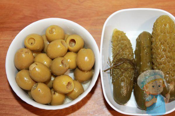 огурцы и оливки