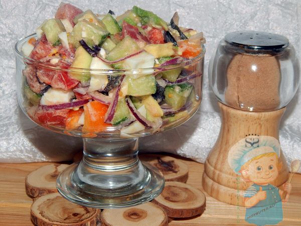 салат с авокадо и овощами рецепт с фото