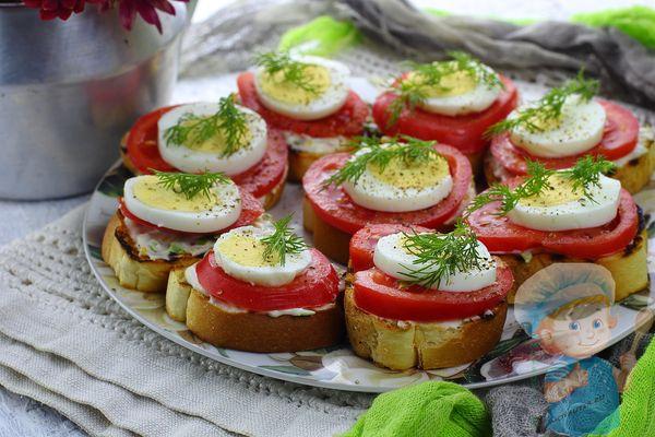 Бутерброды с яйцом и помидором рецепт с фото